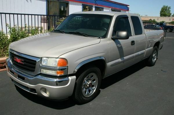 2006 GMC Sierra 1500 Ext Cab 134.0 WB 2WD SLT1 ****We Finance****