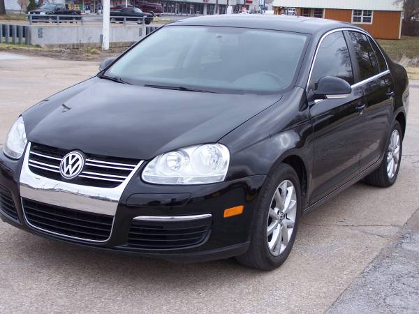 2010 Volkswagen Jetta, 102K MILES!! FULLY LOADED; NAV/GPS; SUNROOF