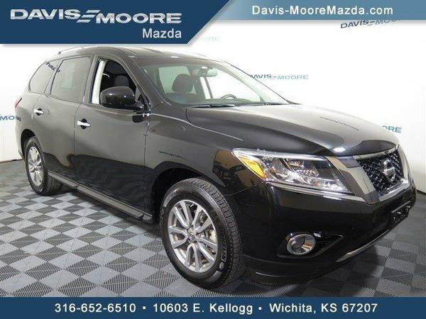 2016 *Nissan Pathfinder* 4WD - Nissan Magnetic Black Metallic