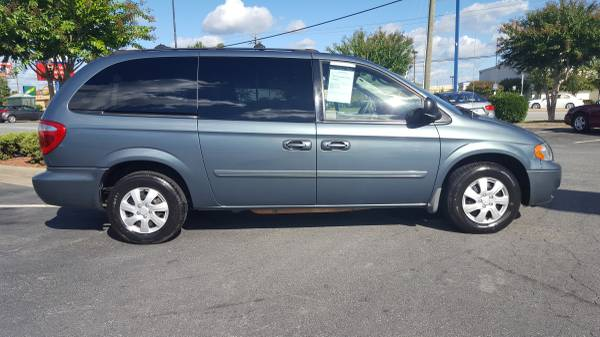 2005 *Dodge* *Caravan* - We Accept Bad Credit