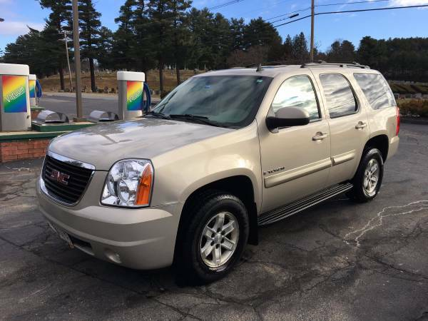 2008 GMC Yukon SLT Only 77k 1 Owner Loaded ! Tahoe