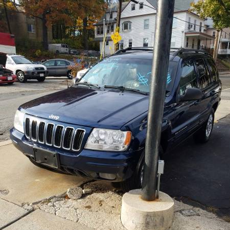 ~(Jeep GrandCherokee)~ nicest one on here, no rust, drives new, clean!