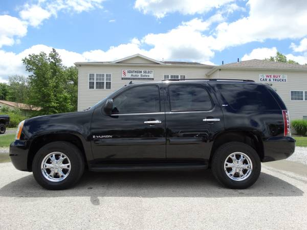 **99k 2007 GMC Yukon 4x4 LEATHER, LOW MILES MUST SEE!!**