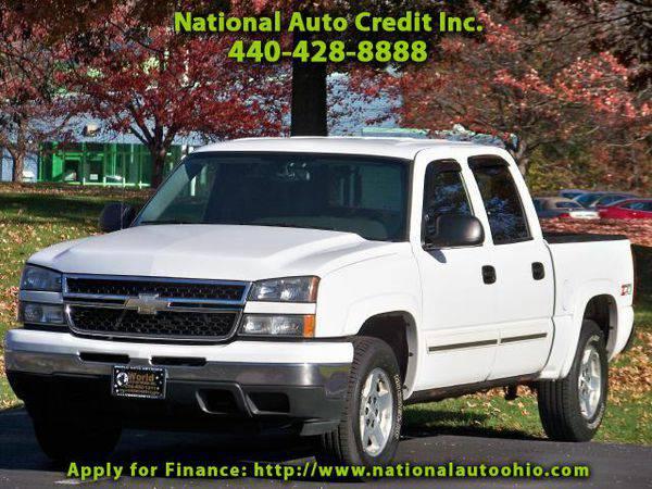 2006 *Chevrolet* *Silverado* *1500* LT Crew Cab 4WD. Z71 Off-Road...