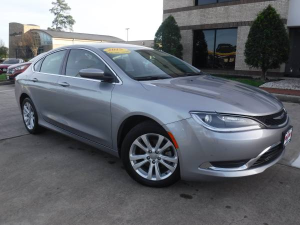 2015 CHRYSLER 200 LIMITED w/ 44k Miles -- No Credit Needed! WE FINANCE