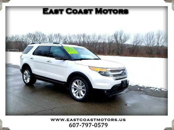2011 Ford Explorer XLT 4WD*Heated Seats*Third Row