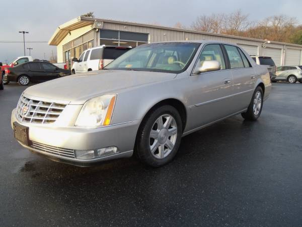 ******2007 CADILLAC DTS LUXURY GARAGE KEPT 50K MILES*********