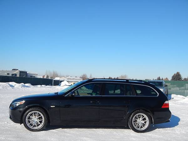 2006 BMW 530 XIT Wagon All-Wheel Drive Black