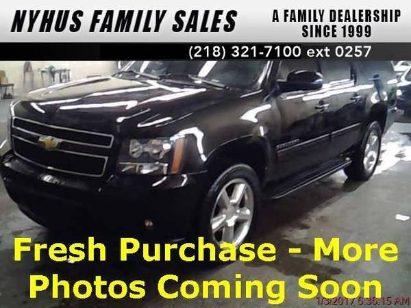 2011 *Chevrolet Suburban 1500* LT (Black)