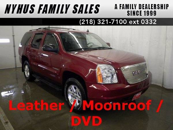 2007 *GMC Yukon* SLT (Sport Red Metallic)