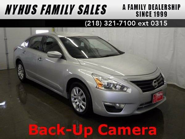 2014 *Nissan Altima* 2.5 S (Brilliant Silver Metallic)