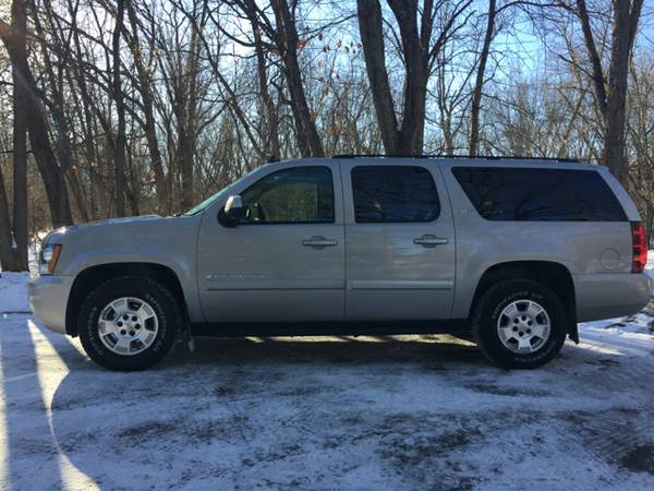2008 Chevrolet Suburban **LEATHER/LOADED**
