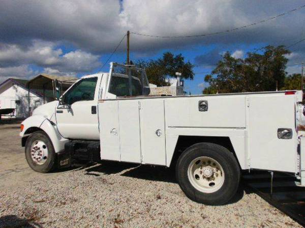 2002 Ford F-650 With Utility Body