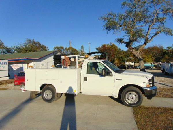 2002 Ford F-350 XL Super Duty Utility Truck