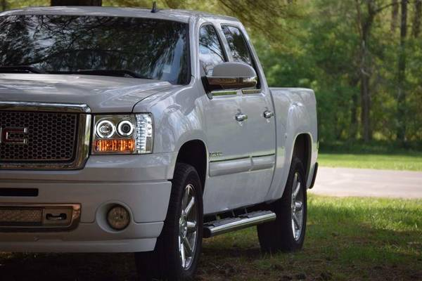 AutomaticPower2007 GMC Sierra Denali GreatFamily & Clean Title