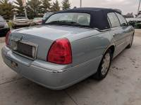 2010 Lincoln Town Car Signature Limited 4dr Sedan