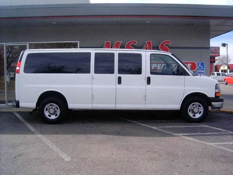 2015 Chevrolet Express Passenger LT 3500 3dr Extended Passenger Van w/1LT