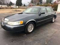 1998 Lincoln Town Car Signature 4dr Sedan