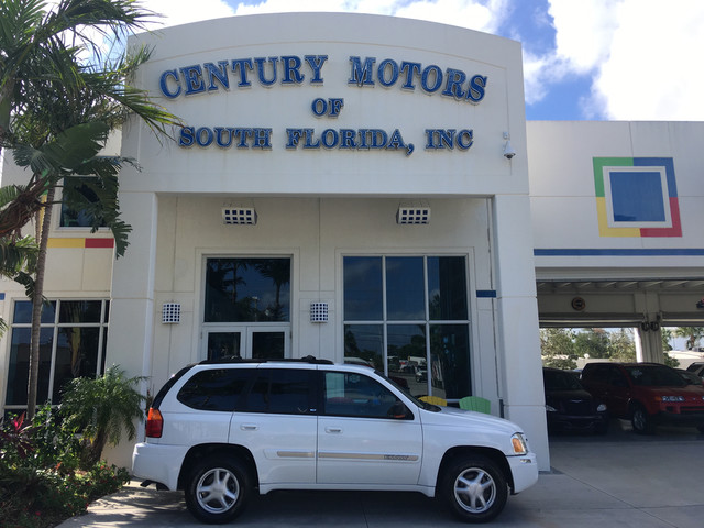 Photo 2002 GMC Envoy SLT Clean CarFax Leather CD Low Miles