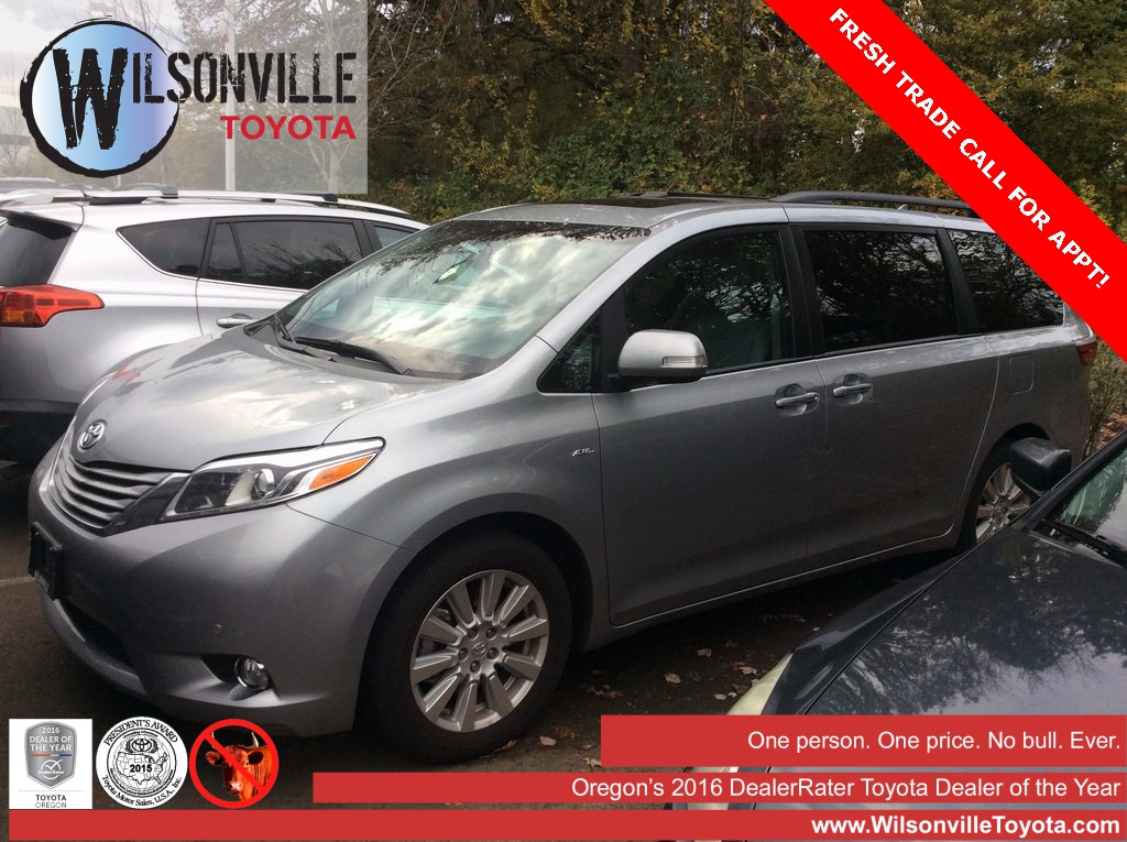 Pre-Owned 2017 Toyota Sienna Limited AWD