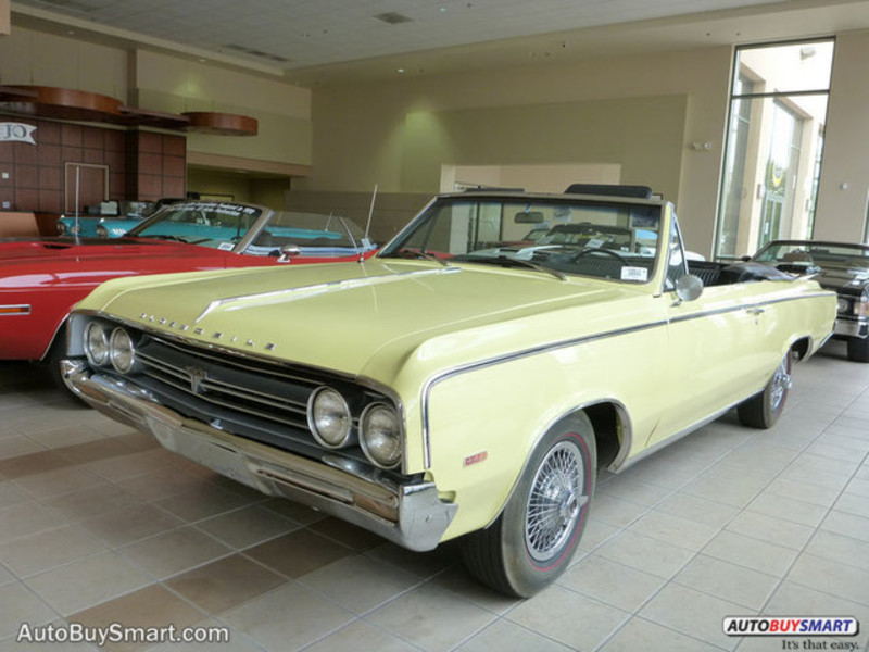 Photo Used 1964 Oldsmobile Cutlass 442