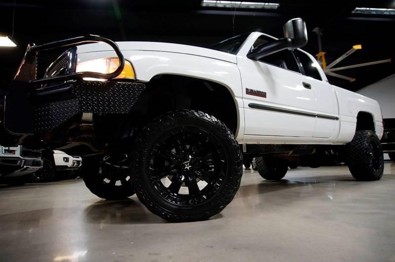 2000 Dodge Ram Pickup 2500 4dr SLT 4WD Extended Cab SB