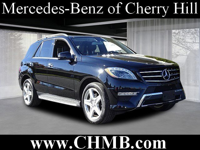 Photo Pre-Owned 2015 Mercedes-Benz M-Class ML 400 AWD 4MATIC