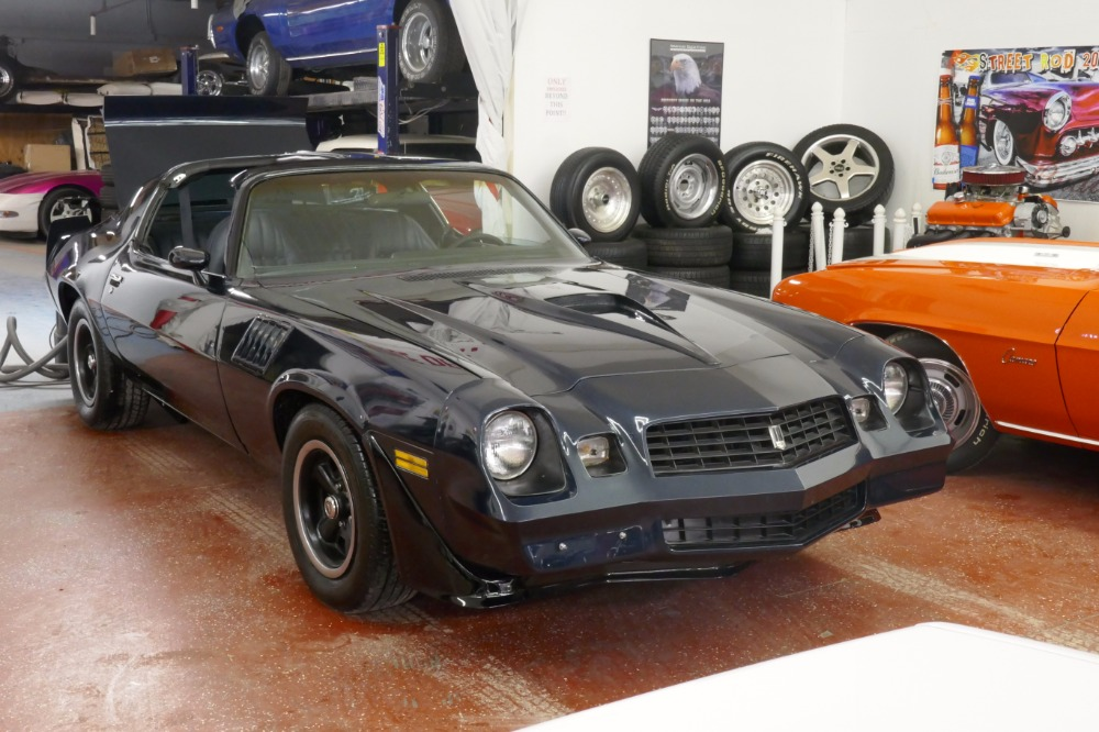 Photo 1979 Chevrolet Camaro -T-TOPS- WITH 4 SPEED  AIR CONDITIONING-REAL Z28 MINT CLASSIC