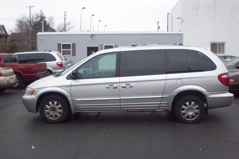 2004 Chrysler Town and Country Touring 4dr Extended Mini-Van