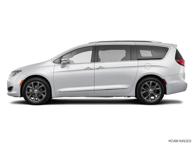 2017 Chrysler Pacifica Limited Van in Taylorville, IL