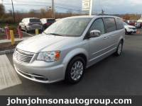 2012 Chrysler Town & Country Touring-L Minivan/Van