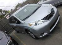 2011 Toyota Sienna LE 7-Passenger Auto Access Seat 4dr Mini-Van