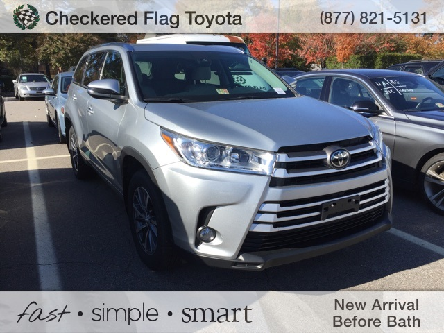 Certified Pre-Owned 2017 Toyota Highlander AWD