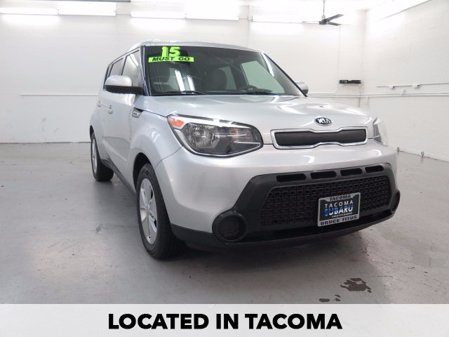 PRE-OWNED 2015 KIA SOUL BASE FWD 4D HATCHBACK