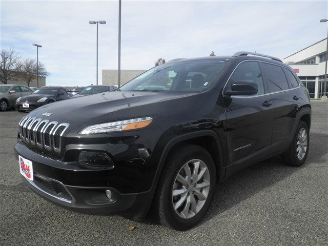 USED 2017 JEEP CHEROKEE LIMITED FOUR WHEEL DRIVE SUV