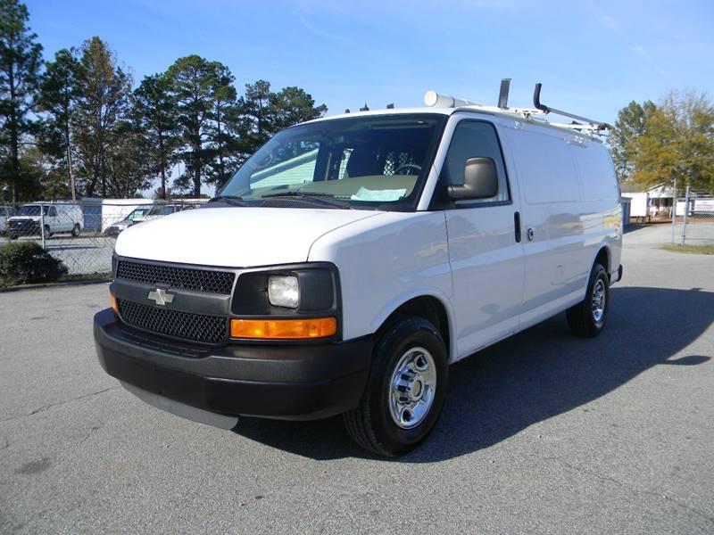 2011 Chevrolet Express Cargo 2500 3dr Cargo Van w/ 1WT