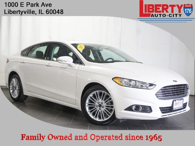 Used 2015 Ford Fusion SE Sedan in Libertyville