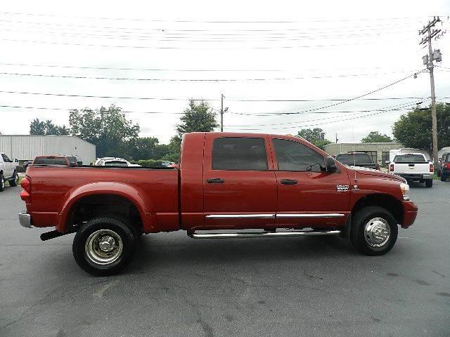 2008 Dodge Ram Pickup 3500 Laramie 4dr Mega Cab 4x4 SB w/Supplemental Side Airbags