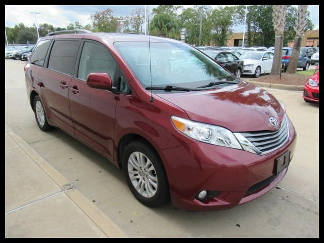 Used 2013 Toyota Sienna 7-Pass V6 XLE FWD in Houston, TX