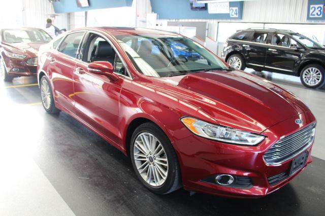 2015 Ford Fusion SE - LEATHER MOONROOF HEATED SEATS