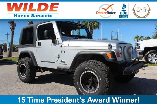 Photo Pre-Owned 2005 Jeep Wrangler 2dr X Sport Utility
