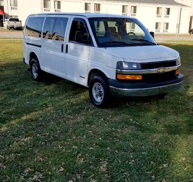 2013 Chevrolet Express Passenger LT 3500 3dr Passenger Van w/ 1LT