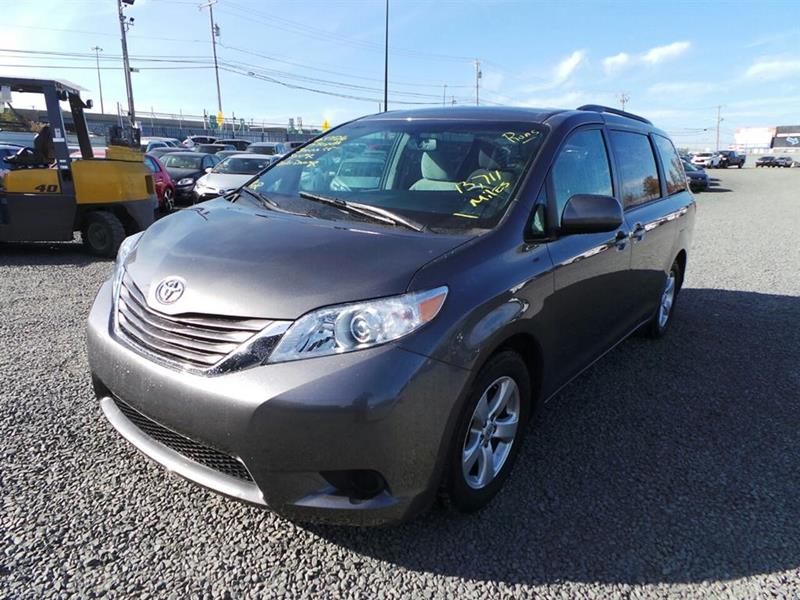 2017 Toyota Sienna Base; Limited; LE; XLE