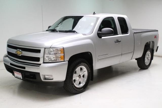 Used 2011 Chevrolet Silverado 1500 4WD Ext Cab 143.5 LT in Brunswick, OH, near Cleveland