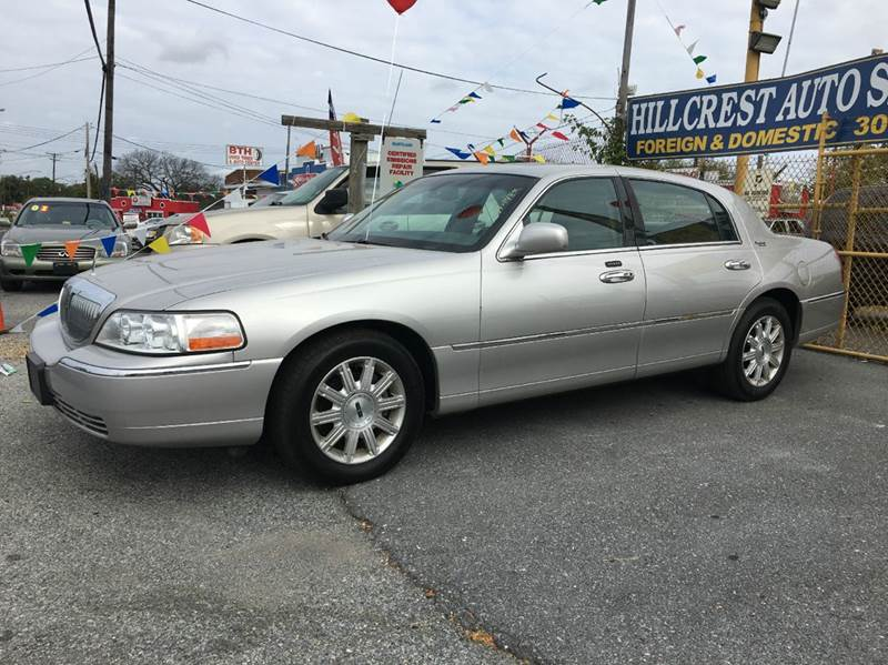 2007 Lincoln Town Car Signature Limited 4dr Sedan