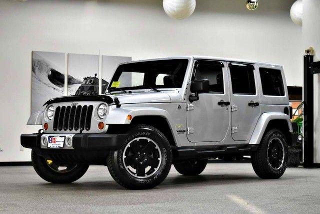 Photo 2012 Jeep Wrangler Unlimited Sahara
