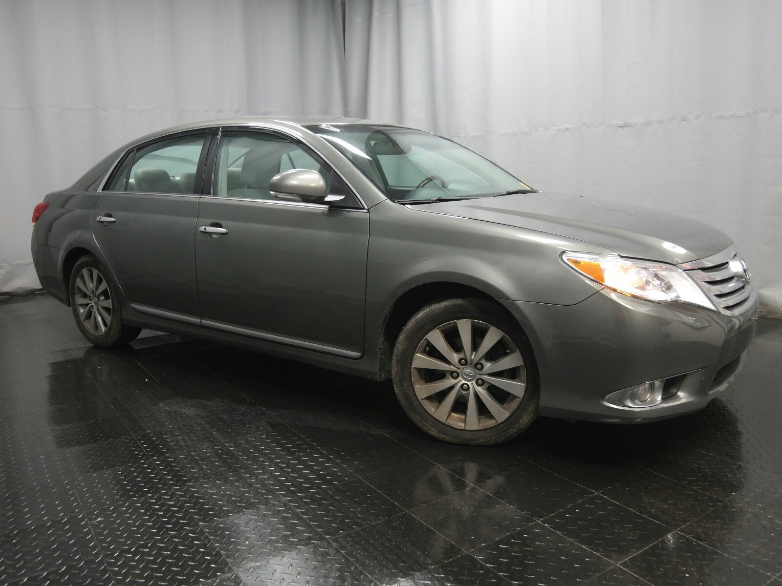 2011 Toyota Avalon Limited Sedan Front-wheel Drive