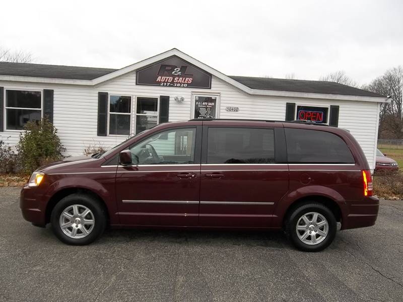 2009 Chrysler Town and Country Touring Mini-Van 4dr