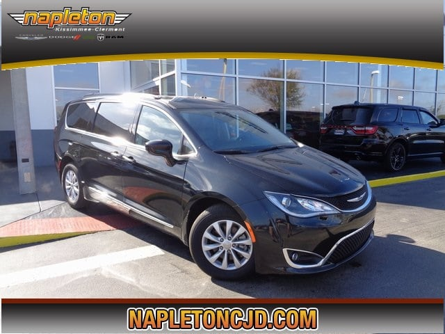 2017 Chrysler Pacifica Touring L Minivan/Van In Orlando, FL Area