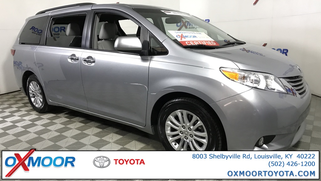 Pre-Owned 2015 Toyota Sienna XLE Premium with Navigation